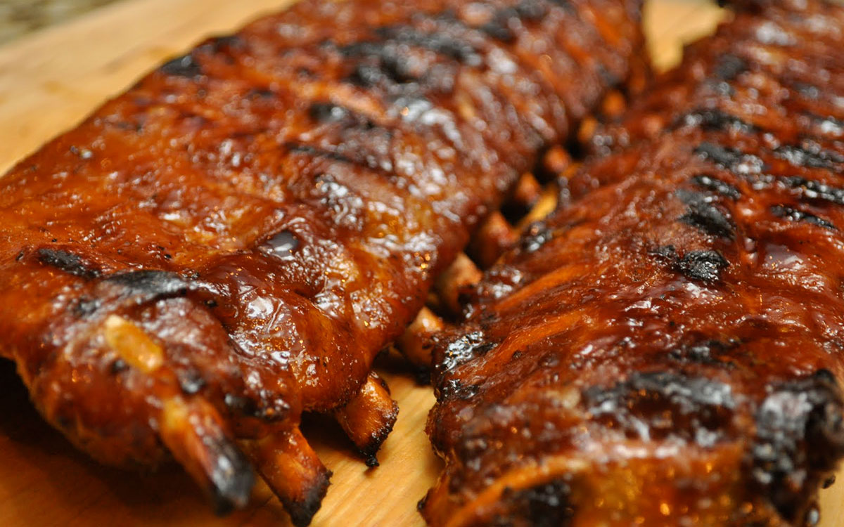 BBQ Pork Back Ribs paired with Vin Bon's Big Red BBQ Blend