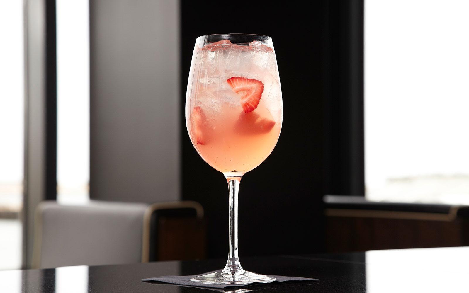 Vin Bon Berry Cocktail