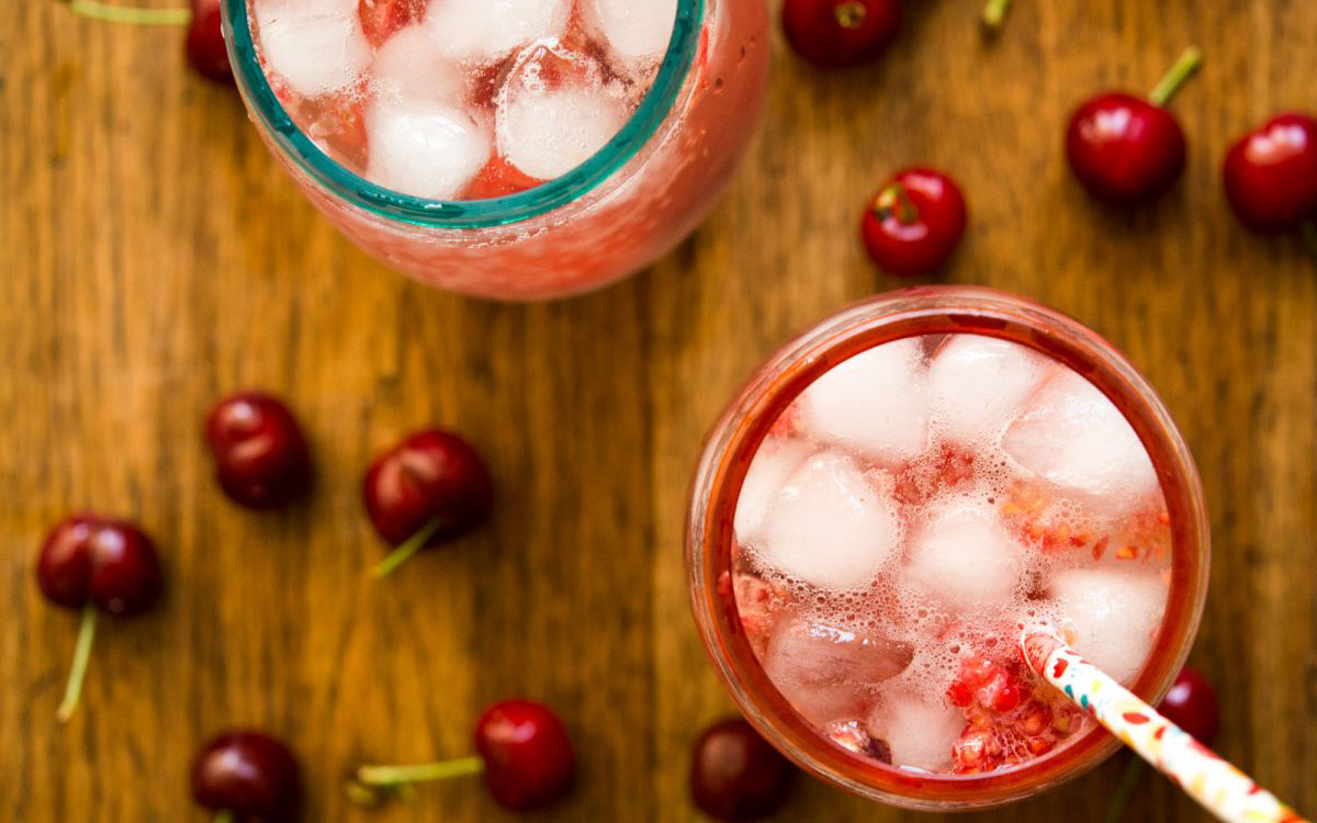 Cranberry Wine Spritzer